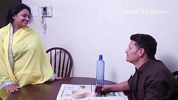 Зрелая мать ублажила блудливого сынка чтобы не заглядывался на ее сиськи