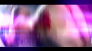 Сучка с длинный буфером общается в секс чате