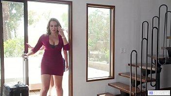 Eva angelina светит симпатичными без одежды сиськами