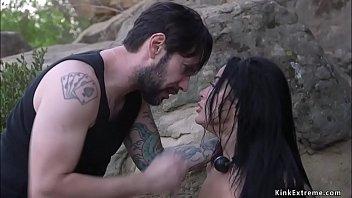 Две раскрепощенные пары любовников создали секс на толстый диванчика